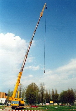 picture BUNGEE JUMPING ZO ŽERIAVU