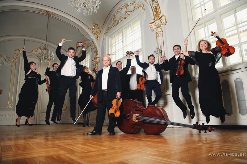 picture Hilaris Chamber Orchestra & Alan Vizváry