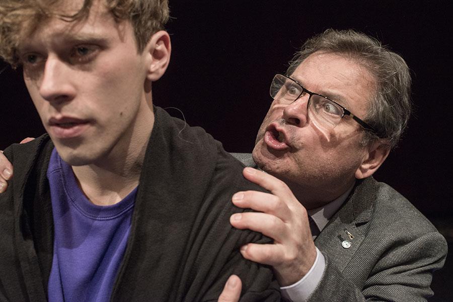 picture VTÁK - Mike BARTLETT - divadelná komédia