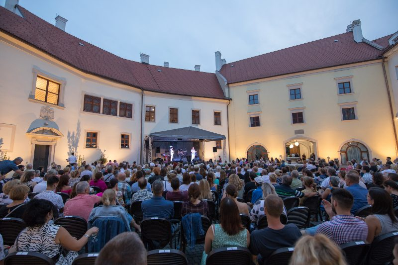 picture RICHARD MÜLLER na zámku