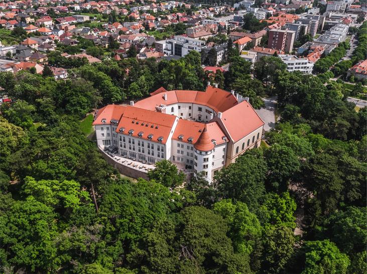 picture PODFUK na zámku