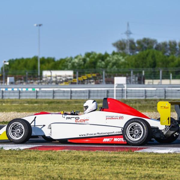 Jazda na Formule na Slovakia Ringu